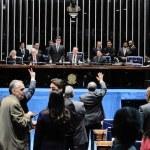 Dilma veta extensão da política de reajuste do salário mínimo para todos os aposentados