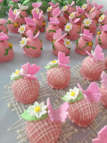 Doce Docer tradição em bolos e doces para eventos