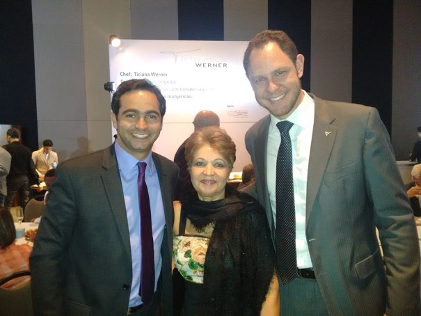 Abrasel. Secretário de Turismo, Jaime Recena, Luzia Câmara, Administrador de Brasília, Ivo Tokaski