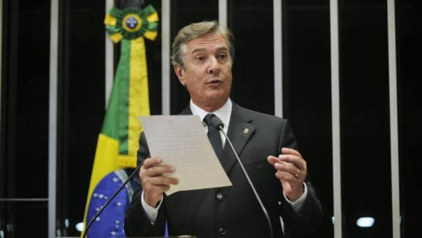 Fernando Collor (PTB-AL): indicação de próprio nome para comissão que irá sabatinar Janot - Foto: Jefferson Rudy/Agência Senado