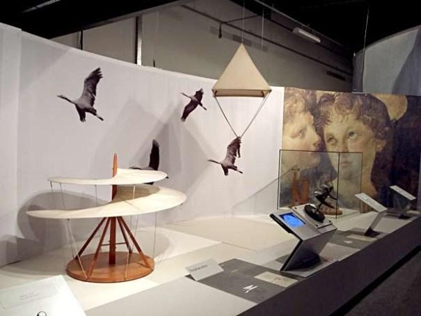 Obras projetadas por Leonardo da Vinci e produzidas por engenheiros e pesquisadores (Foto: Lucas Nanini/G1)