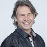 Humorista Nelson Freitas apresenta stand-up comedy Nelson Freitas e Você
