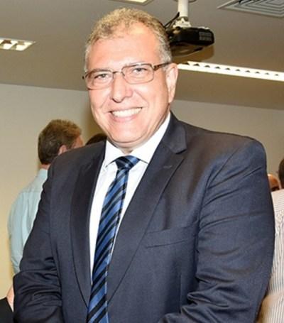 Diretor Carlos Eduardo da Bancorbrás recebe Prêmio AJE Empreendedor 2015