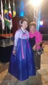 Sra Embaixatriz da Coréia do Sul e a jornalista Luzia Câmara