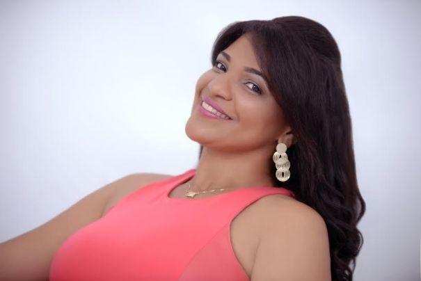 Márcia Nunes embala o Projeto Quinta Musical com clássicos da MPB