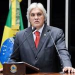 Delcídio do Amaral contrata advogado especialista em delação premiada