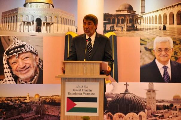 Senhor Embaixador, Ibrahim Alzeben, discursando para Palestinos, Diplomatas e convidados - Foto: Alisson Carvalho