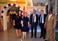 Sra Embaixatriz Egito, Alya A. Mohamed Elwakeel, Sônia Bachtobji, Srs Embaixadores do Egito, Alaa Eldin W. Mohamed Roushdy, da Tunísia, Sabri Bachtobji, e da Namíbia, Samuel S.Nuuyoma