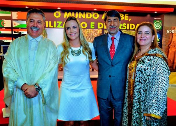 Embaixador da Tunísia, Sabri Bachtobji, Presidente da CLDF, Deputada Celina Leão, Embaixador da Palestina, Ibrahim Alzeben, Embaixatriz da Tunísia, Sônia Bachtobji
