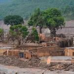Acordo com a Samarco recebe críticas por não ouvir atingidos pelo desastre em Minas
