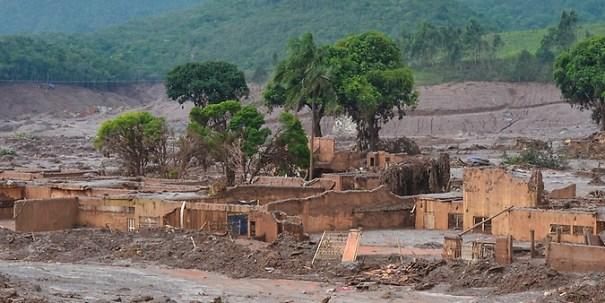 Samarco. Desastre ambiental ocorrido no dia 5 de novembro de 2015 matou 19 pessoas e deixou outras 1.640 desabrigadas - Foto: Antonio Cruz/Agência Brasil