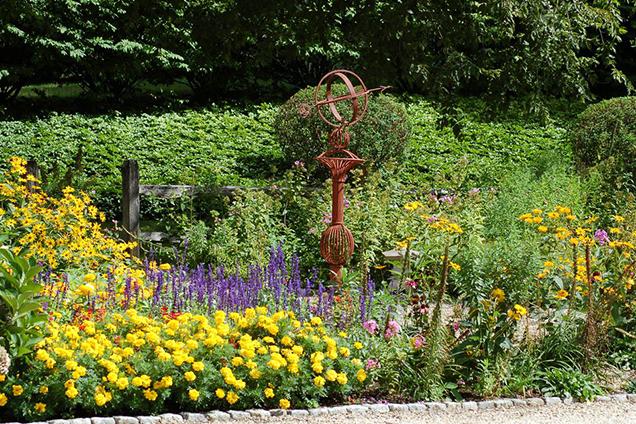 Decorare Il Giardino Con Le Bordature Floreali 14 Idee Guida Giardino