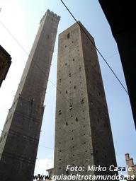 Bolonia, la de la gran arcada