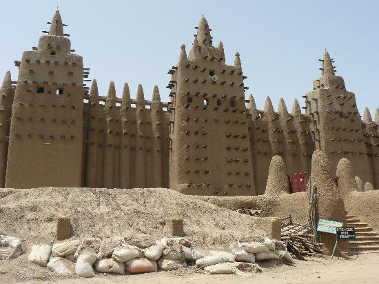 La particularidad de la Mezquita de Djenné - mezquita-de-djenne1