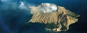 Un volcán dramático  - whakaari-7-300x115