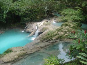 Escalando las cataratas del río Dunn - ocho-rios-2-300x225