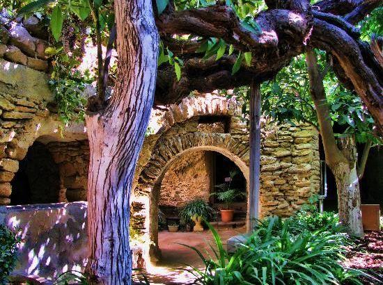 Baldassare Forestiere y su jardín subterráneo: una historia inspiradora.