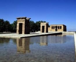 El Templo de Debod en Madrid - templo-debod-6-300x244