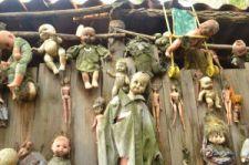 La Isla habitada por muñecos - La-isla-de-las-muñecas-300x199