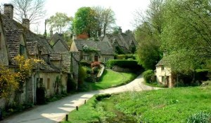 Bibury (Inglaterra) - Bibury-in-the-Cotswolds-300x176