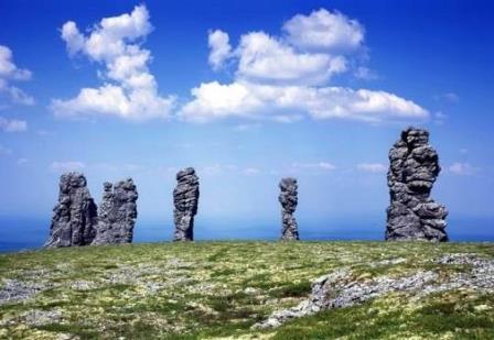Man-Pupu-Nyor , la montaña de los ídolos