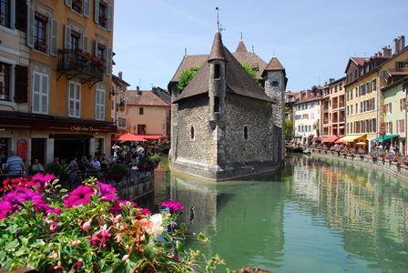 """Annecy, la """"pequeña Venecia"""" de los Alpes"""