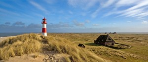 Escápate a una playa exclusiva, al norte de Alemania - Faro-Sylt-300x125