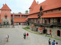 El castillo rojo de Trakai - Patio-de-armas