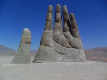 La Mano del Desierto - Mano-del-desierto-de-Mario-Irrarazaval-300x225