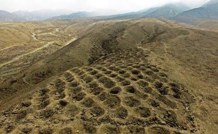 La extraña banda de agujeros de Nazca