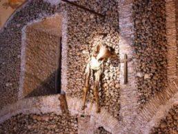 La capilla de los huesos (Portugal) - EV0399-300x226