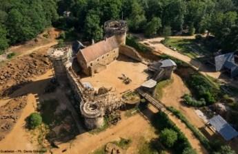 Guédelon: regreso a la Edad Media - Castillo-Guédelon-300x195