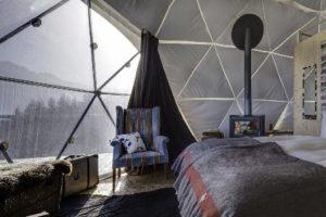 Whitepod: Glamping en la nieve - Interior-iglu-300x200