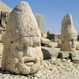 Ruinas de Comagene en el monte Nemrut - nemrut-4-300x300