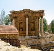 La Heliópolis de Baalbek - Templo-de-Venus-300x282