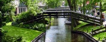 Giethoorn, el lugar al que tendrás que ir sin coche - article-2093144-118046E0000005DC-939_964x378-300x118