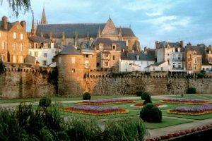 Vannes, joya vetona del Morbihan - Muralla-300x200