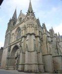 Vannes, joya vetona del Morbihan - The-Cathedral-of-SaintPierre-250x300