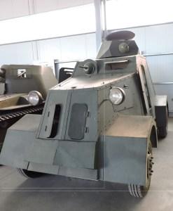 Museo de Carros de Combate - Autoametralladora UNL-35 diseñada y fabricada en España