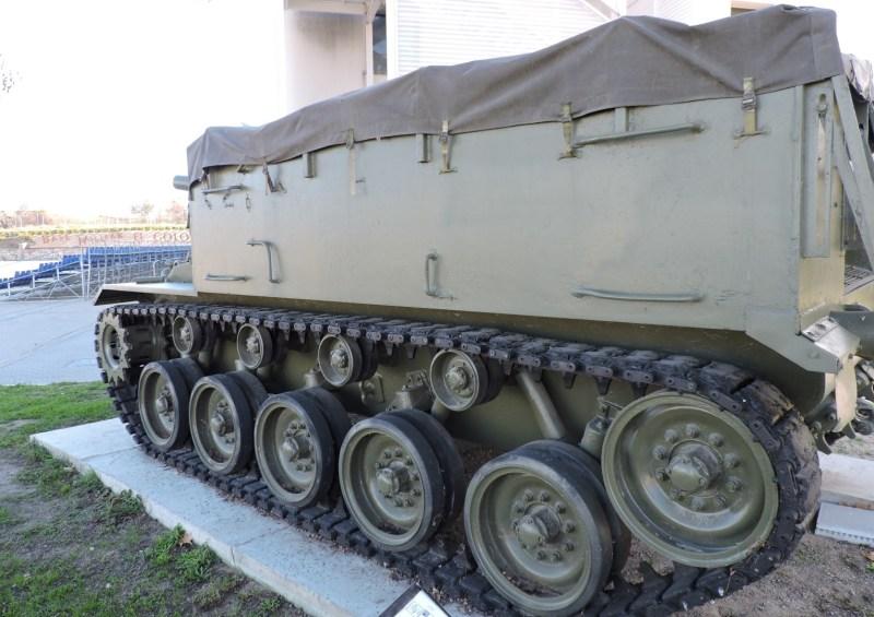 Museo de Carros de Combate - El Obús M-37 llevaba 126 proyectiles de 105 mm