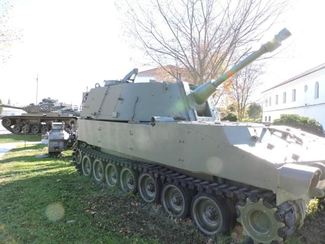 Museo de Carros de Combate - Obús M-108