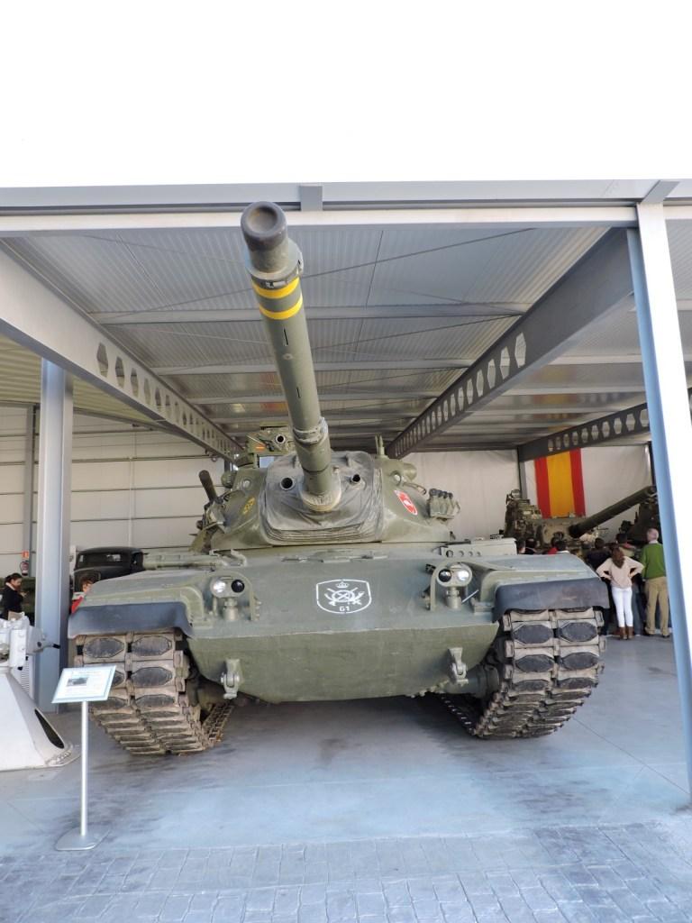 Museo de Carros de Combate - Barcaza y cañón del M-60 A3 TTS