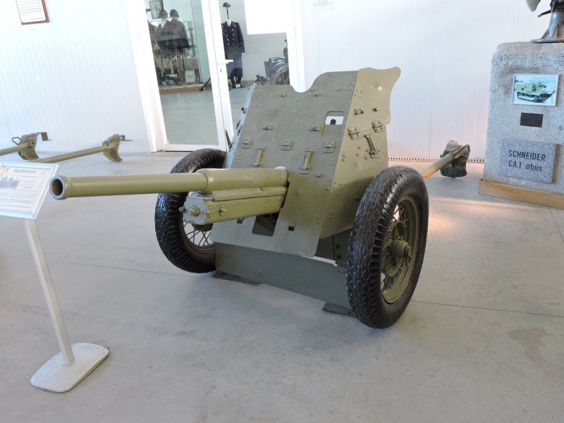 Museo de Carros de Combate - Cañón contracarro Placencia 45/44