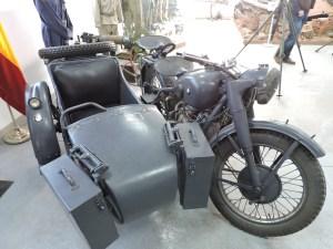 Museo de Carros de Combate - Moto con sidecar BMW