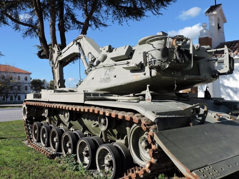 Museo de Carros de Combate - El Alacrán permite trabajar a los zapadores en el frente