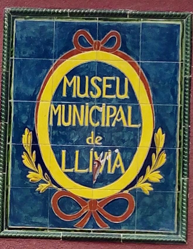 Farmacia Esteva. Letrero de entrada al Museo Municipal de Llivia