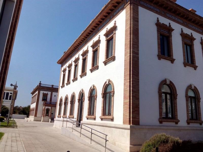 Museo Automovilístico - Edificio de Tabacalera