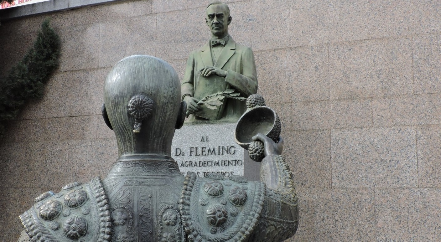 Image result for vandalismo estatua doctor fleming