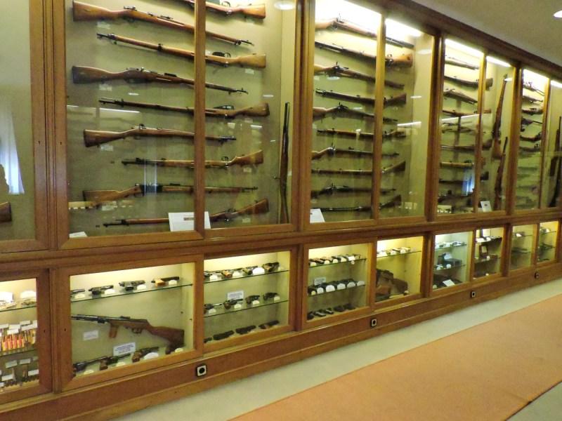 Museo de la Guardia Civil - En la sala de armas hay expuestas alrededor de 800 armas y objetos (Imagen propiedad del Museo de la Guardia Civil)