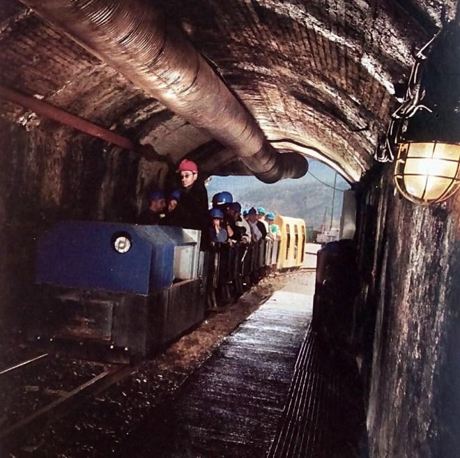 Museo Minas Serchs - El recorrido se realiza montado en un tren como los antiguos